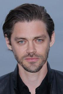 Tom Payne photo