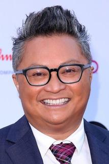 Alec Mapa photo