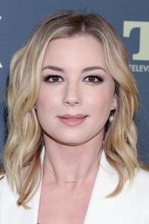 Emily VanCamp photo