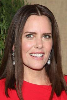 Ione Skye photo