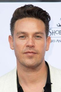 Kevin Alejandro photo