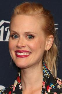 Janet Varney photo
