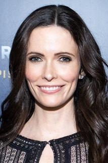 Bitsie Tulloch photo