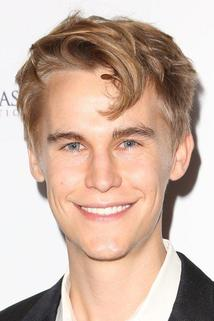 Rhys Wakefield photo
