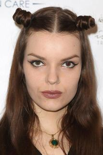 Sianoa Smit-McPhee photo