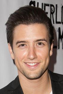Logan Henderson photo