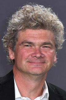 Simon Farnaby photo