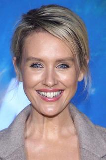 Nicky Whelan photo