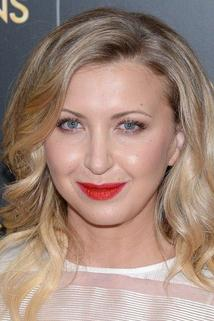Nina Arianda photo