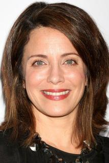 Alanna Ubach photo