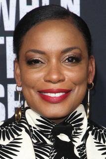 Aunjanue Ellis photo