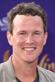 Scott Weinger photo