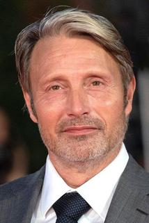 Mads Mikkelsen photo